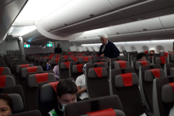 Interior del avión de vuelta a España